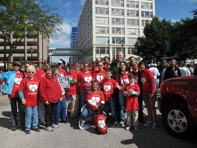 Milwaukee Mayor, Tom Barrett, with WFNHP parade marchers
